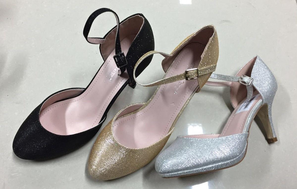 bea82ff467 Dámské společenské boty LISTAR (36-41) stříbrné